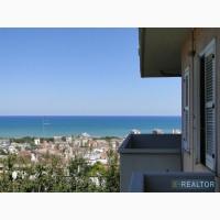 Элитная недвижимость в Италии на море, вилла в Монтесильвано (PE)