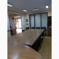 Продаю фасадный офис на ул. Космонавтов