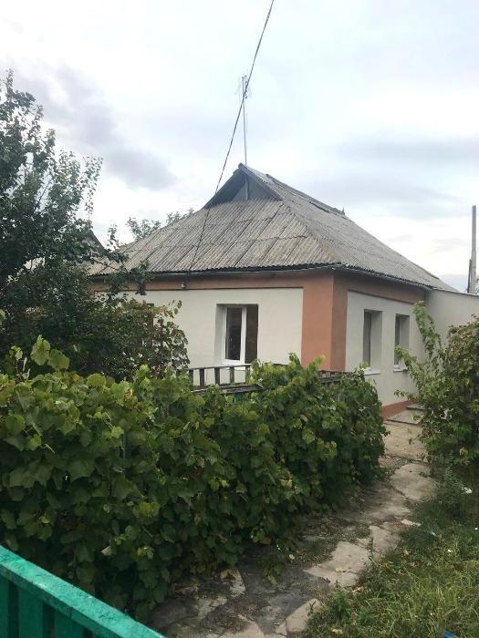 Фото 2. Дом кирпичный у озера со всеми удобствами в Пологах