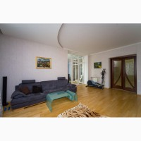 Продается 3-х комнатная квартира (147кв.м.) со своим парко-местом в подземном паркинге