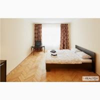 Отличная квартира, расположенная в старинном доме по ул. Братьев Рогатинцев 15