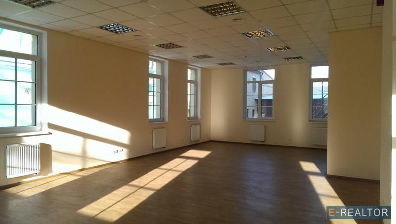 Фото 3. Здание 1 030 м2, Киев, Контрактовая площадь, Волошская Ильинская